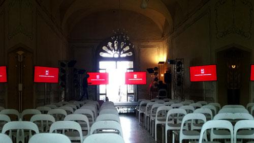 Service audio video Monitor al plasma Villa Vescovi